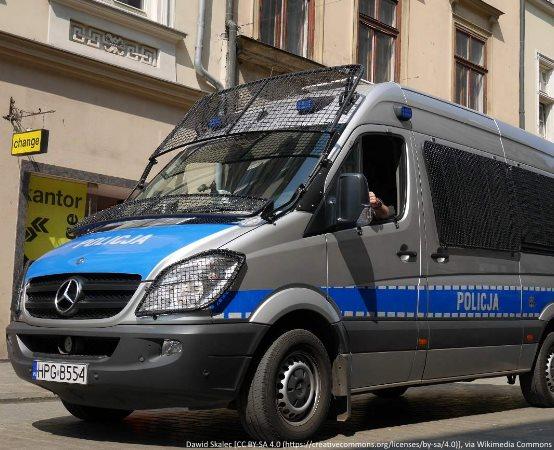 Policja Chełm: BUS NAJECHAŁ NA ZAPARKOWANEGO TIRA